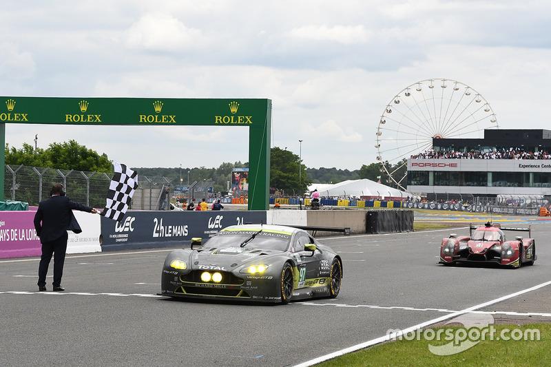 Damalı Bayrak: #97 Aston Martin Racing Aston Martin Vantage: Richie Stanaway, Fernando Rees, Jonathan Adam