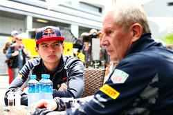 Dr Helmut Marko, Red Bull Racing Team Consultant met Max Verstappen, Scuderia Toro Rosso
