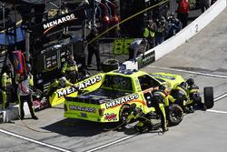 Matt Crafton, ThorSport Racing, Ford F-150 Ideal Door/Menards , makes a pit stop