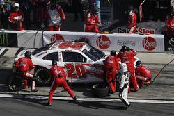 Christopher Bell, Joe Gibbs Racing, Rheem Toyota Camry, pit stop, crash