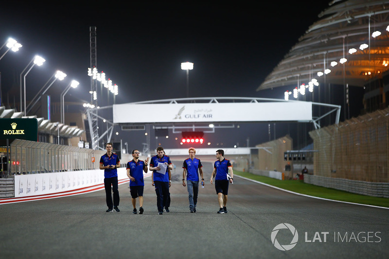 Track walk with Brendon Hartley, Toro Rosso