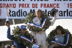 Podium: winner Ronnie Peterson, second place Francois Cevert, third place Carlos Reutemann