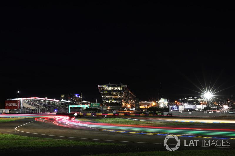 Ночь в «Ле-Мане» – это особенное время для болельщиков и для фотографов