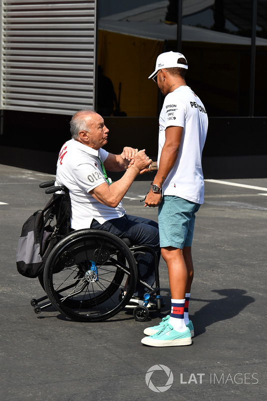 Льюіс Хемілтон, Mercedes-AMG F1, уболівальники