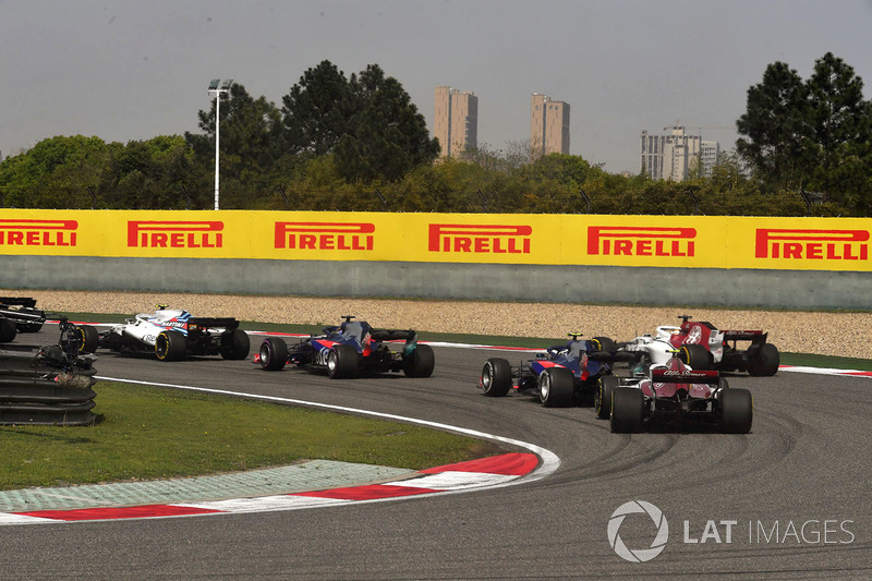 Charles Leclerc, Sauber C37 at the start of the race