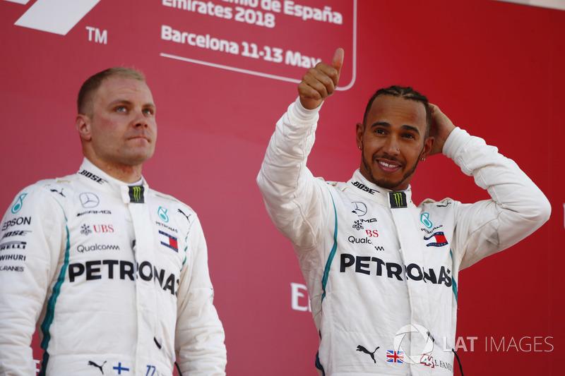 Podio: ganador de la carrera Lewis Hamilton, Mercedes AMG F1, segundo lugar Valtteri Bottas, Mercedes AMG F1