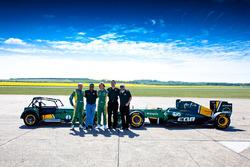 Heikki Kovalainen, Tony Fernandes, Jarno Trulli, Ansar Ali, Kamarudin Meranun