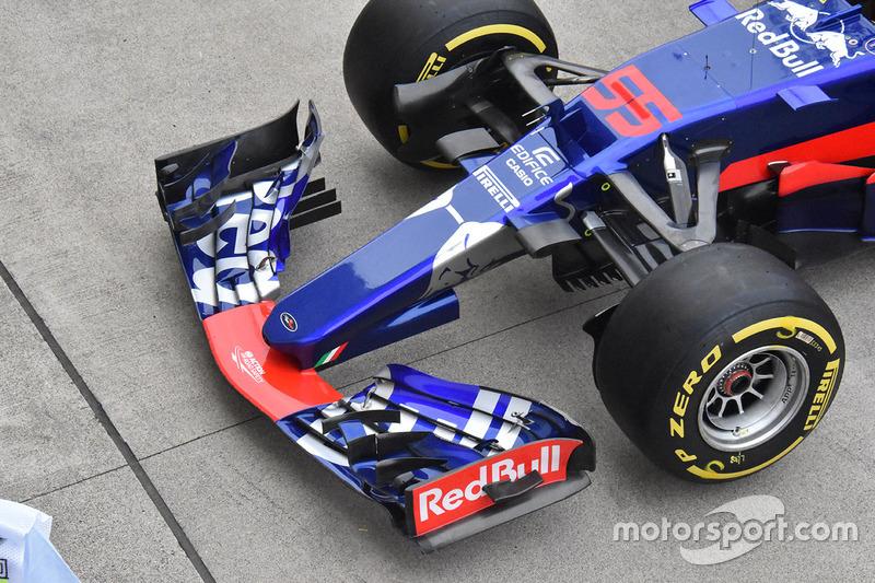 Передня частина Scuderia Toro Rosso STR12