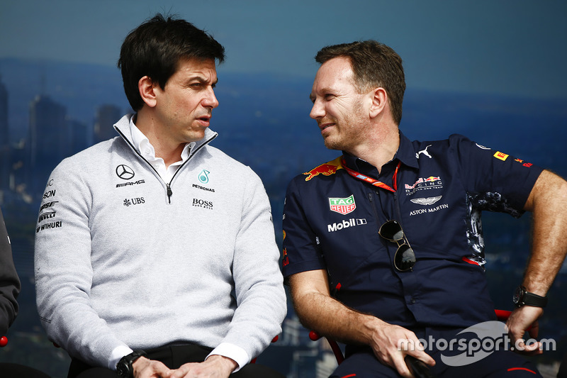 Toto Wolff, Mercedes-Teamchef; Christian Horner, Teamchef, Red Bull Racing