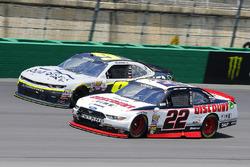 Joey Logano, Team Penske Ford ve William Byron, JR Motorsports Chevrolet