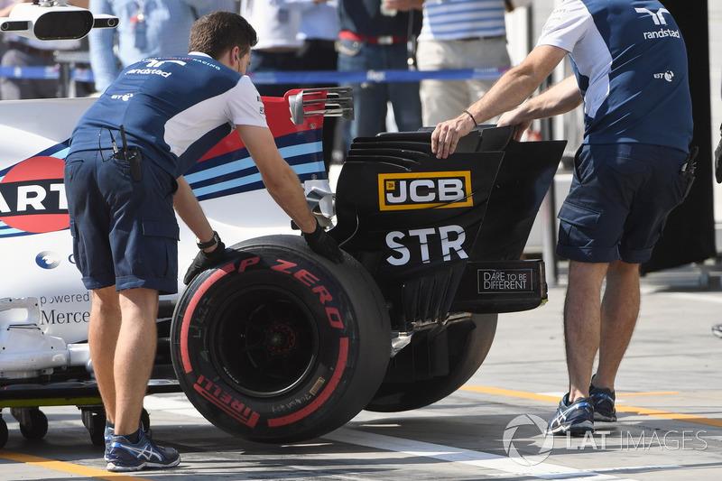 Переднє крило Williams FW40