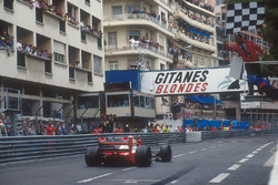 Ayrton Senna, McLaren MP4/7A takes the win