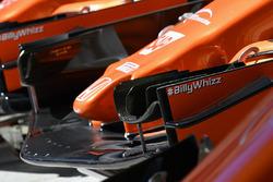 Хэштег #BillyWhizz на переднем антикрыле McLaren MCL32