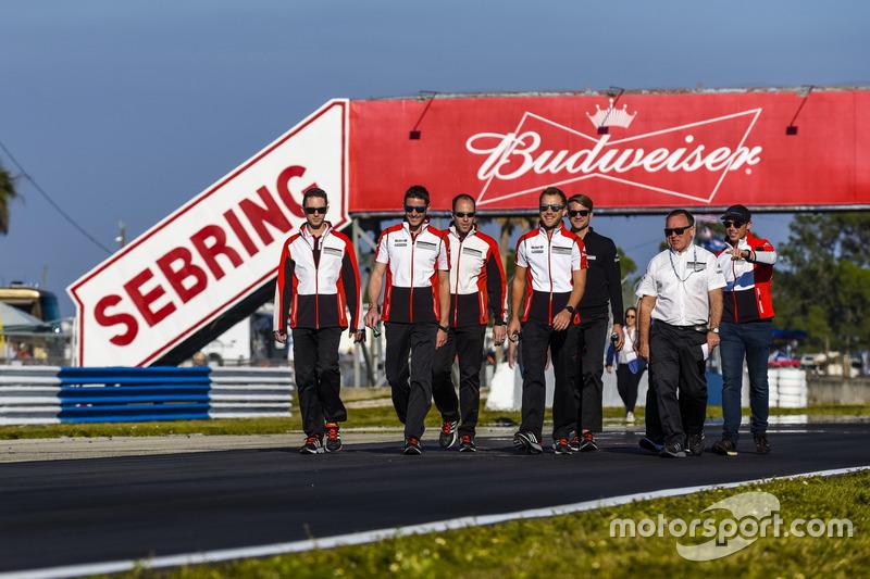 Trackwalk: Porsche Team North America