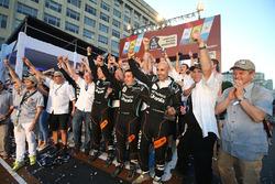 #500 Team De Rooy Iveco: Gerard de Rooy, Moises Torrallardona, Darek Rodewald at the finish