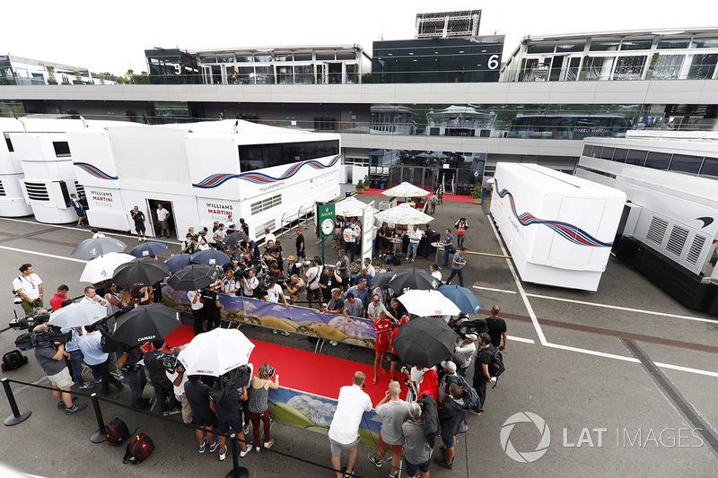 Kevin Magnussen, Haas F1 Team, Lewis Hamilton, Mercedes AMG F1, Sebastian Vettel, Ferrari
