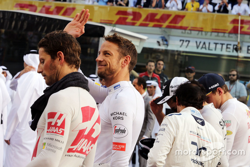 Jenson Button, McLaren durante el himno