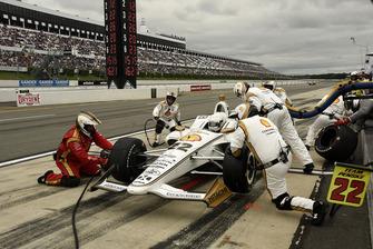 Simon Pagenaud, Team Penske Chevrolet pit stop