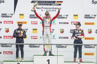 Podio: ganador de la carrera Joel Eriksson, Motopark, segundo lugar Lando Norris, Mücke Motorsport, tercer puesto Robert Shwartzman, Mücke Motorsport