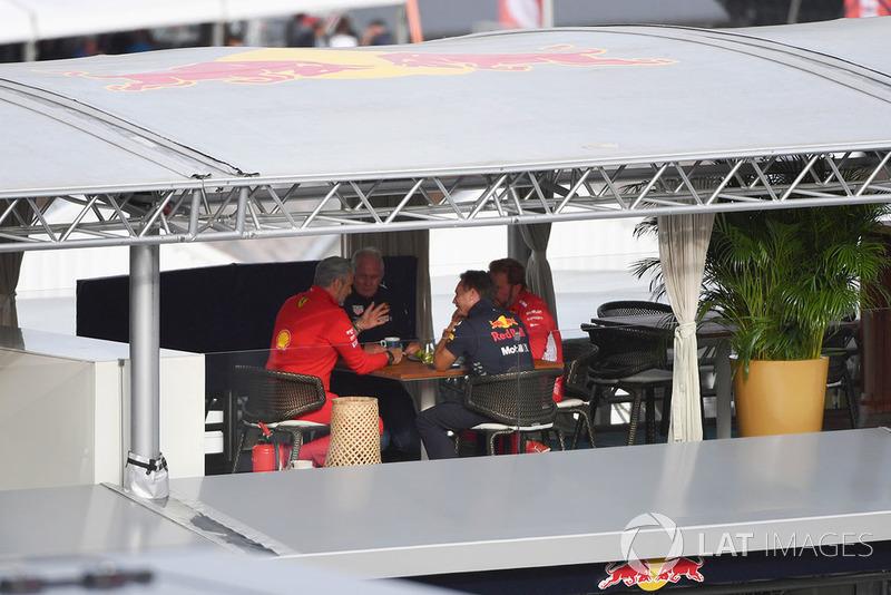 Maurizio Arrivabene, Ferrari Team Principal, Dr Helmut Marko, Red Bull Motorsport Consultant, Christian Horner, Red Bull Racing Team Principal and Gino Rosato, Ferrari