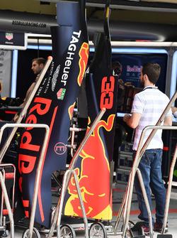 Red Bull RB13: Motorenabdeckung