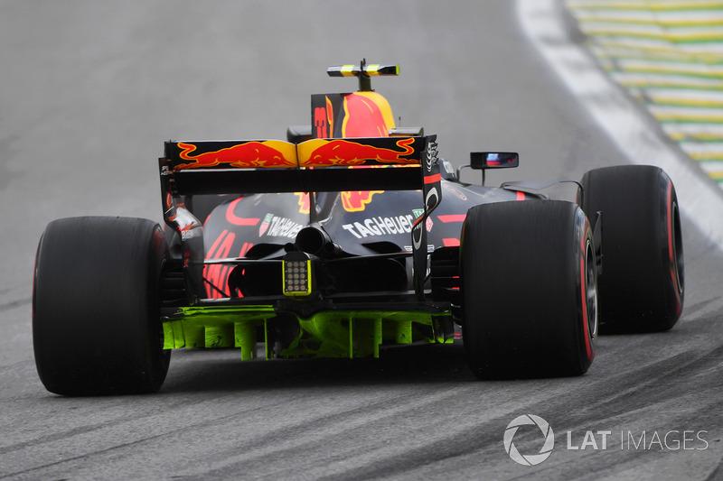 Max Verstappen, Red Bull Racing RB13 met aero paint op zijn diffuser