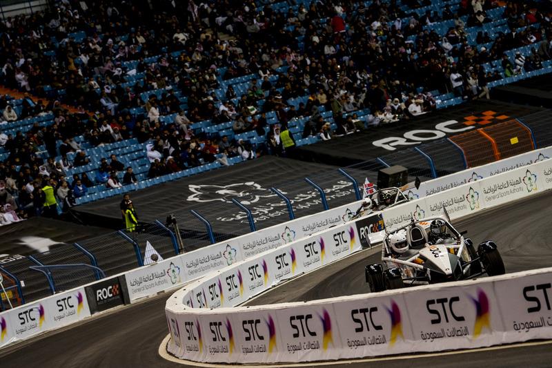Johan Kristoffersson del Equipo de Suecia conduciendo el Ariel Atom Cup