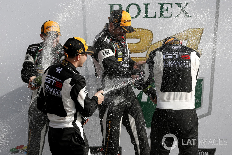 Victory lane, Champagne shower in GTD