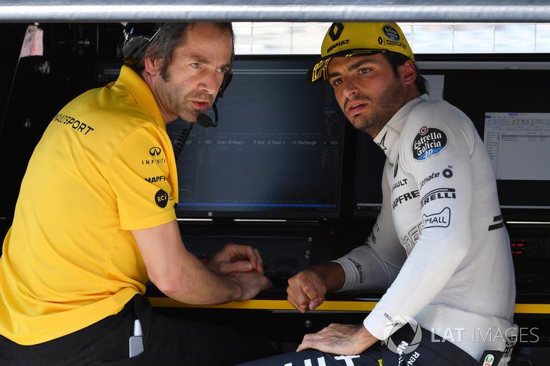 Paul Monaghan, Renault Sport F1 Team y Carlos Sainz Jr., Renault Sport F1 Team