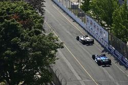 Will Power, Team Penske Chevrolet, Sébastien Bourdais, Dale Coyne Racing with Vasser-Sullivan Honda