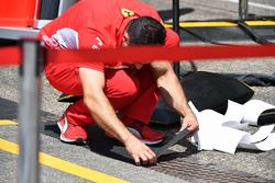 Mecánico de Ferrari en el pitlane