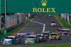 Start action, Andre Heimgartner, Nissan Motorsport Nissan, Rick Kelly, Nissan Motorsport Nissan