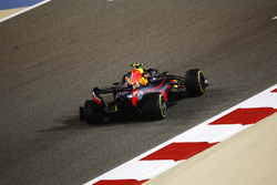 Max Verstappen, Red Bull Racing RB14 Tag Heuer, victime d'une crevaison