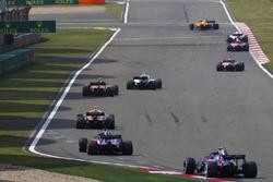 Sergey Sirotkin, Williams FW41 Mercedes, Stoffel Vandoorne, McLaren MCL33 Renault, Charles Leclerc, Sauber C37 Ferrari, Brendon Hartley, Toro Rosso STR13 Honda, y Pierre Gasly, Toro Rosso STR13 Honda