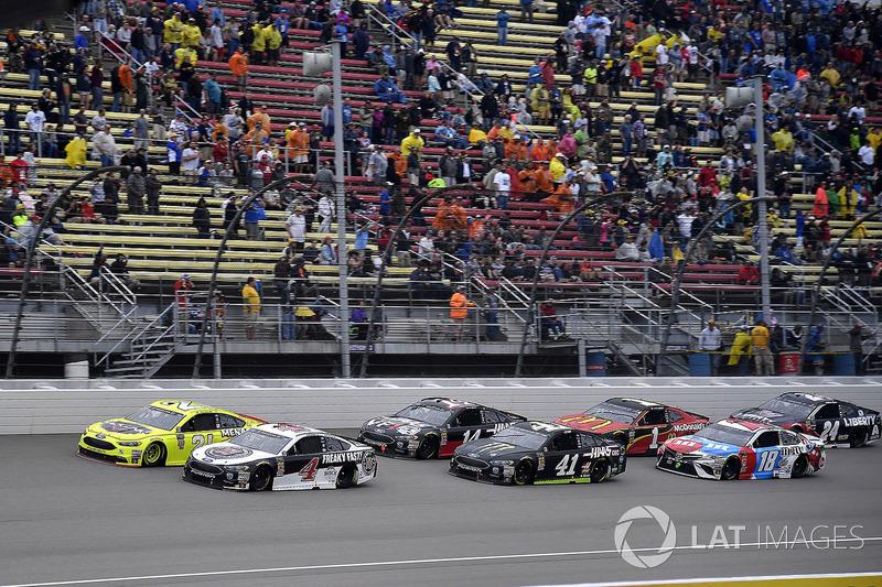 Kevin Harvick, Stewart-Haas Racing, Ford Fusion Jimmy John's, Paul Menard, Wood Brothers Racing, For