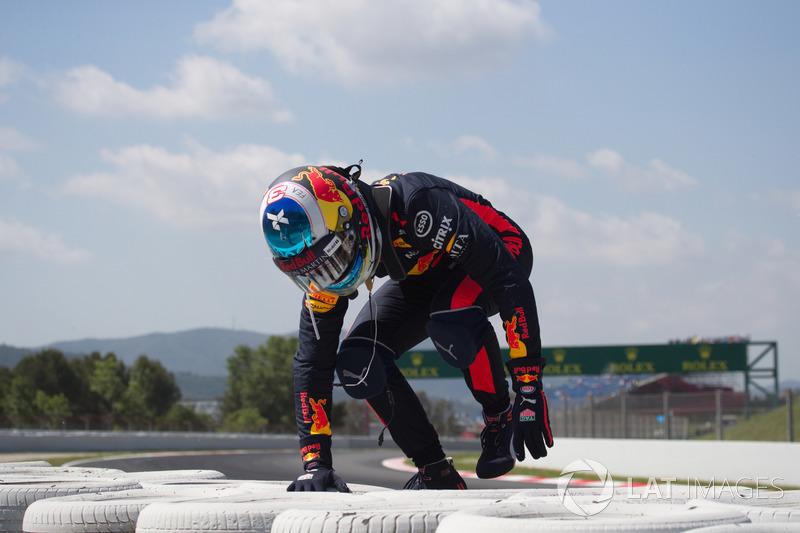 Daniel Ricciardo, Red Bull Racing choca en la PL1