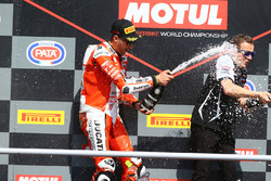 Podium: race winner Matteo Ferrari