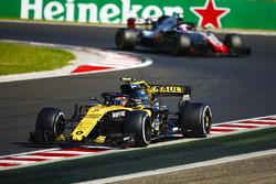 Карлос Сайнс-мол., Renault Sport F1 Team R.S. 18, Кевін Магнуссен, Haas F1 Team VF-18