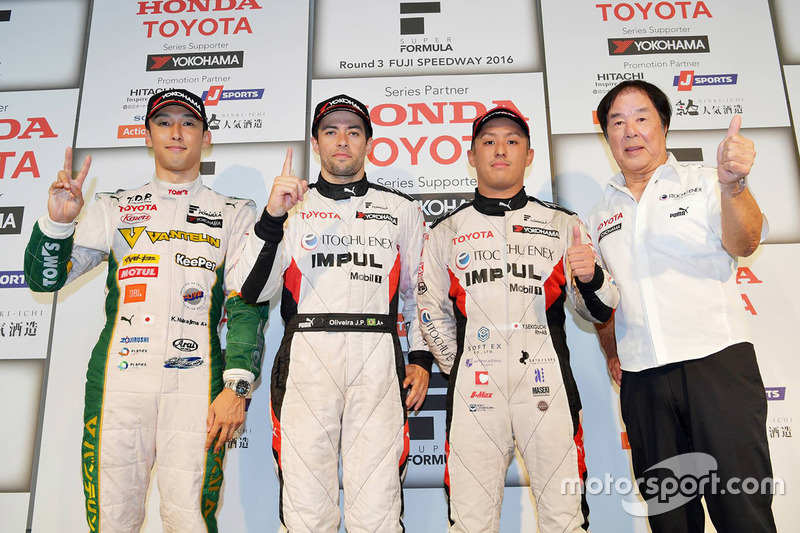 Sieger Joao Paulo de Oliveira, Team Impul; 2. Kazuki Nakajima, Team Tom's; 3. Yuhi Sekiguchi, Team Impul; Kazuyoshi Hoshino, Team Impul, Teamchef