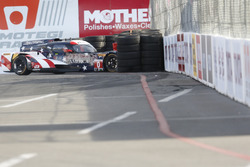 #0 Panoz DeltaWing Racing DWC13: Katherine Legge, Andy Meyrick in trouble