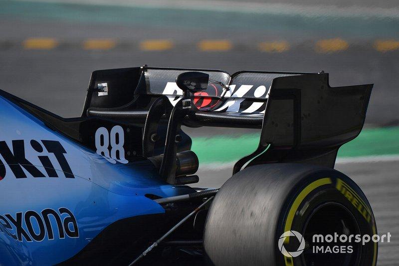 Williams FW42 rear wing