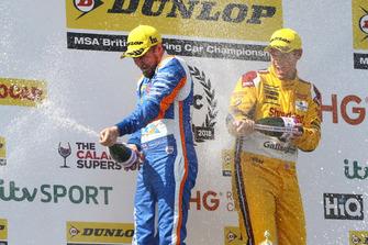 Sam Tordoff, Motorbase Performance Ford Focus and Tom Chilton, Motorbase Performance Ford Focus