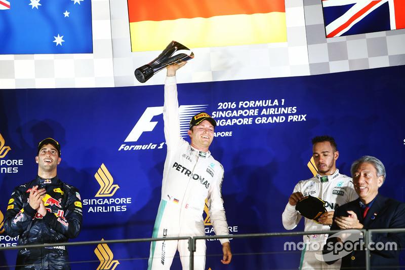1. Nico Rosberg, 2. Daniel Ricciardo, 3. Lewis Hamilton