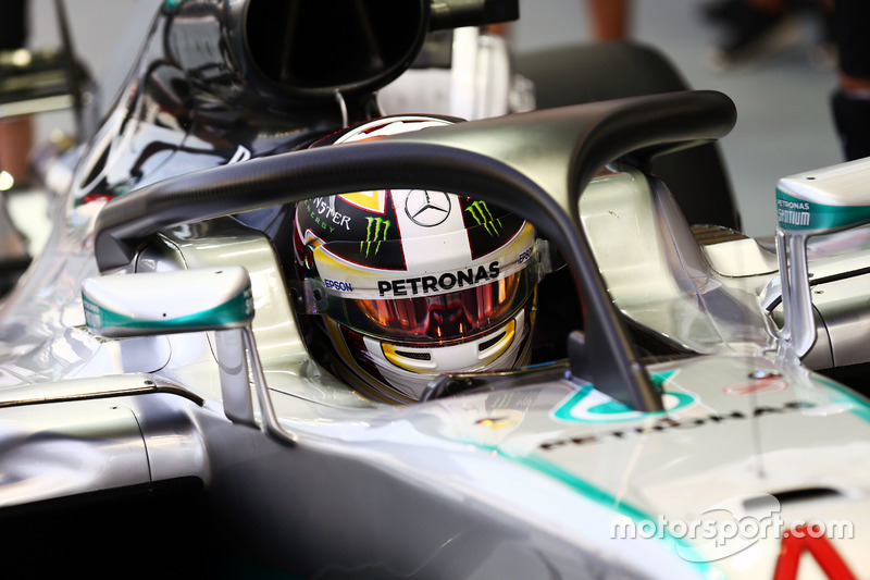 Lewis Hamilton, Mercedes AMG F1 W07 Hybrid with the Halo cockpit cover