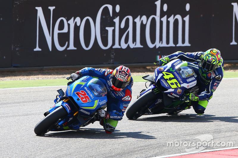 Maverick Viñales, Team Suzuki MotoGP; Valentino Rossi, Yamaha Factory Racing