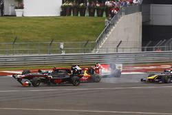 Crash: Sean Gelael, Campos Racing; Gustav Malja, Rapax
