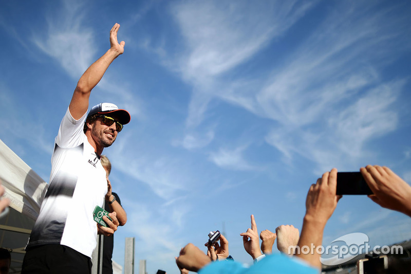 Fernando Alonso, McLaren with fans