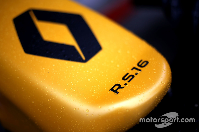Renault Sport F1 Team RS16 nosecone