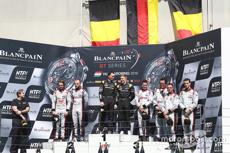 Podio: i vincitori Dominik Baumann, Maximilian Bühk, Team HTP Motorsport, al secondo posto Frederic