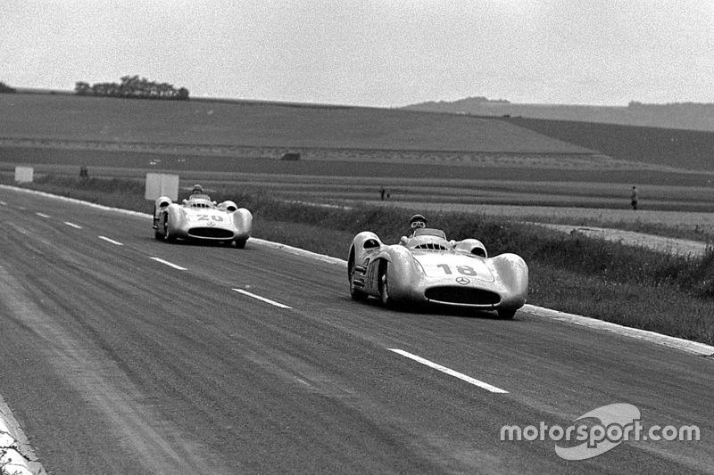 Juan Manuel Fangio y Karl Kling, Mercedes-Benz W 196 R